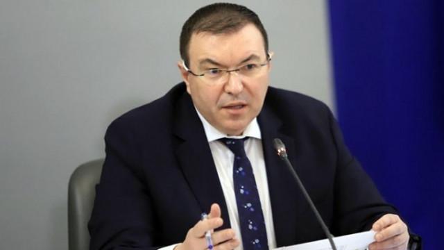 Проф. Костадин Ангелов: Пандемията излиза от контрол, готови сме да помогнем