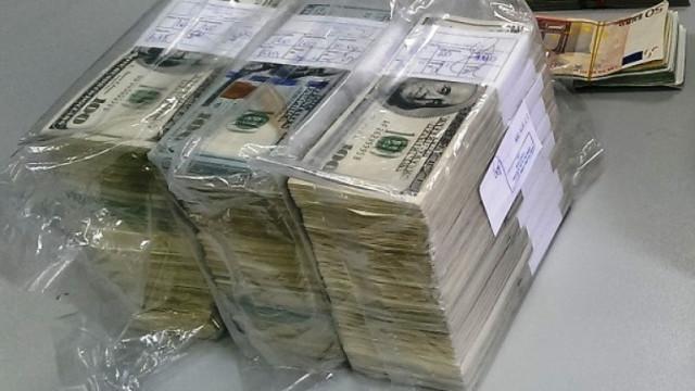 """Хванаха полски тираджия с незаконни 200 000 долара на МП """"Лесово"""""""