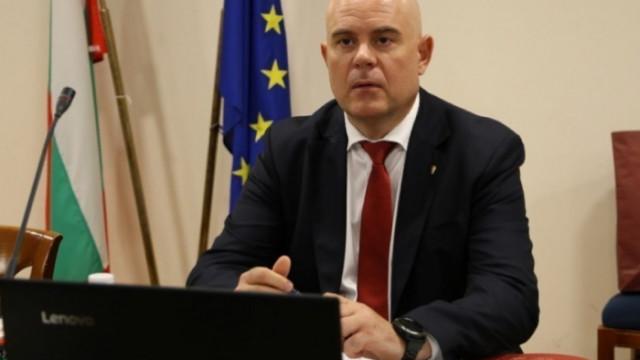 КС допусна искането на Гешев за активите на Бюрото по защита