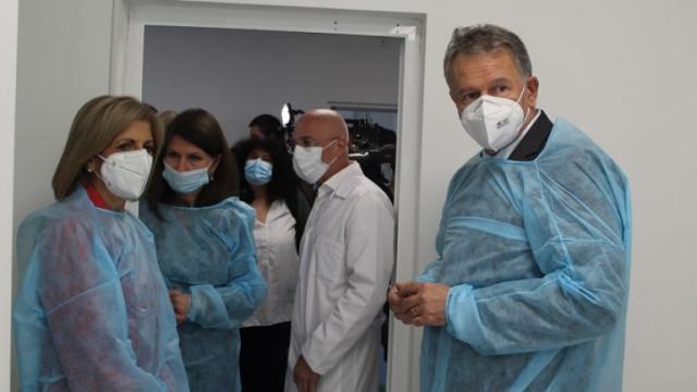 Дават 12,5 млн. лв. на Здравното министерство за лекарства и за медиците на първа линия
