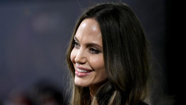 Анджелина Джоли се почувства неудобно от въпрос на журналист
