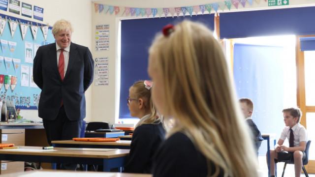 Коронавирус: Учени успокояват британците за малкия риск при децата