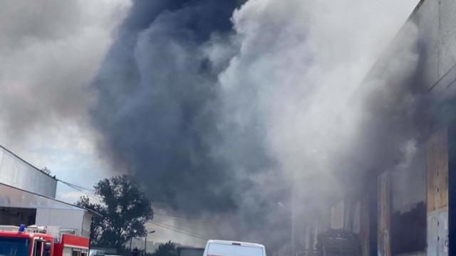 Три деца са спасени от пожар във Велико Търново