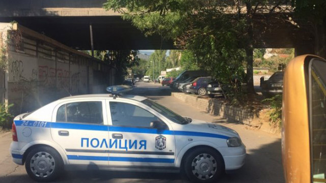 Агресивен мъж нападна и рани общински полицаи в Ямбол