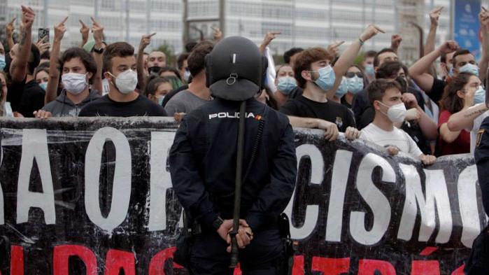 Присъстваме на зараждането на българската Антифа - идеологията, похватите, финансирането