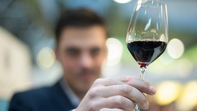 """Червеното вино – """"божествената напитка"""", която може да бъде опасна"""