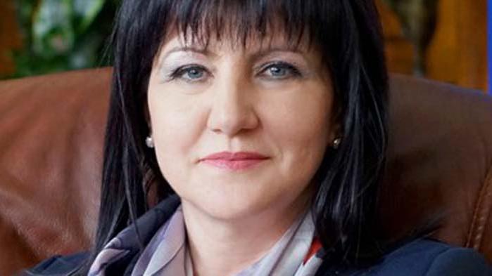 Караянчева: Това, което се случва с подкрепата на президента, не е добре за България