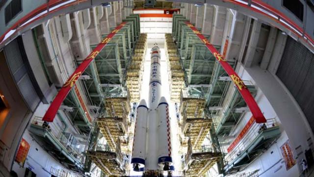 Китай изведе в орбита и успешно приземи своя космическа совалка за многократно използване