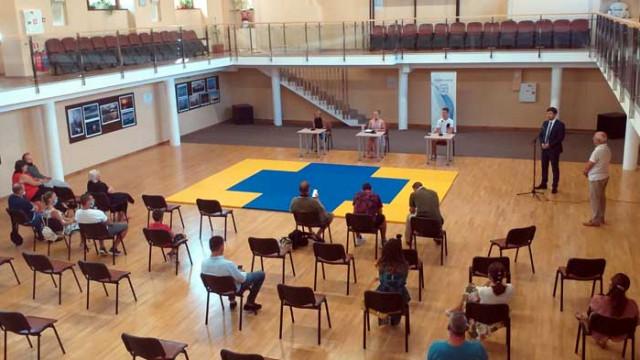 Брат и сестра помагат на деца да се справят с агресията в училищата в Чехия