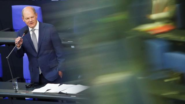 Разпитват германския финансов министър заради скандали