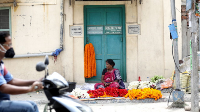 Милиони нерегистрирани случаи на коронавирус в Индия
