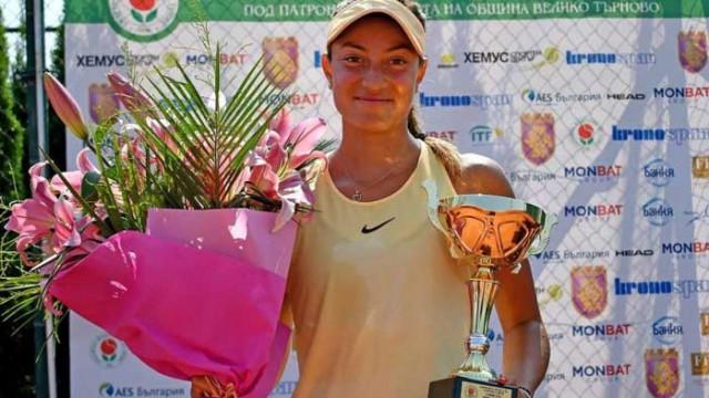 Аршинкова и Топалова отпаднаха на полуфиналите във Варна