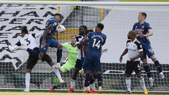 Арсенал разгроми Фулъм на старта на Висшата лига