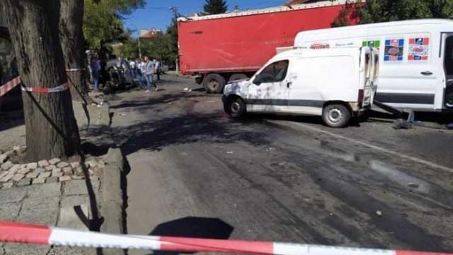Прокуратурата иска постоянен арест за шофьора, блъснал 12 коли в Айтос