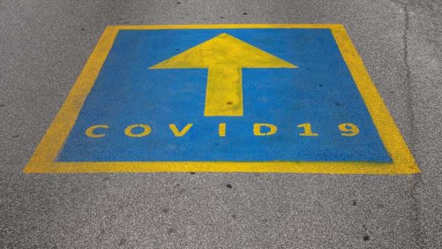 Вирусолог призова за нова стратегия в борбата с COVID-19