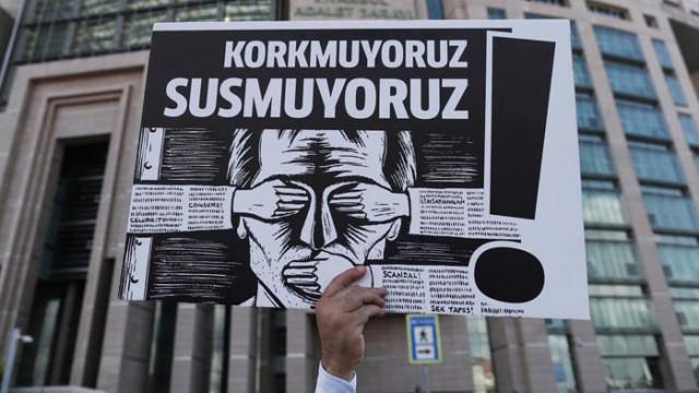 ЮНЕСКО: Нараства насилието над журналисти, отразяващи протестите
