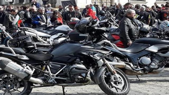 """Варненските любители на """"железните коне"""" откриват мотосезона в събота"""