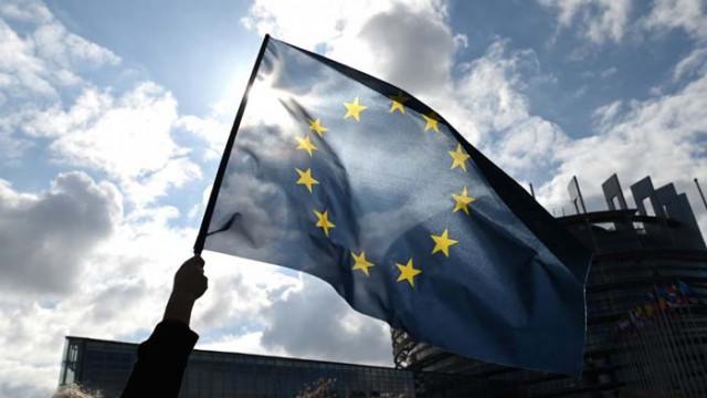 ЕС иска водещата роля в насърчаването на демокрацията по света