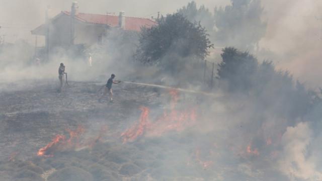 Пожар изпепели 8 къщи в Бургаско