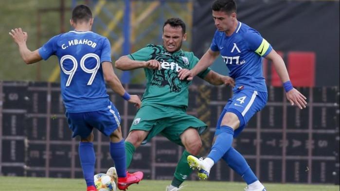 Левски започна с успех в контролите преди рестарта на сезона