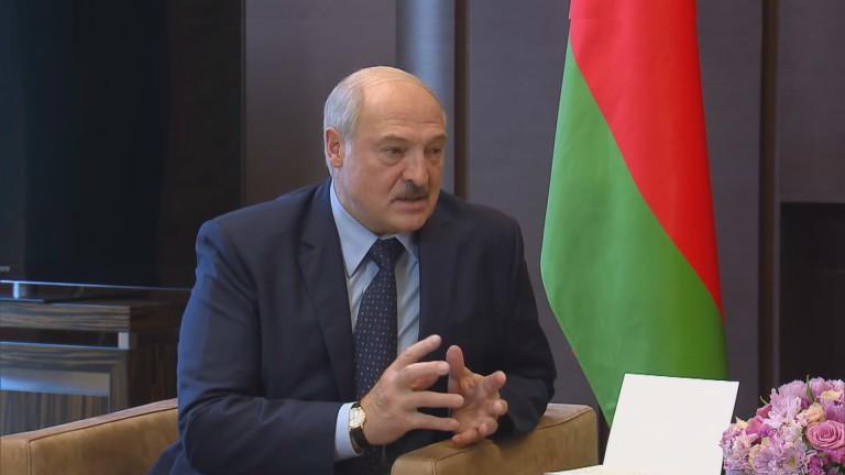 Лукашенко иска нови оръжия и военни учения с Русия, заедно да реагират на новите заплахи