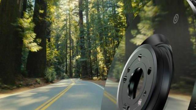 Brembo пускат огледални спирачни дискове