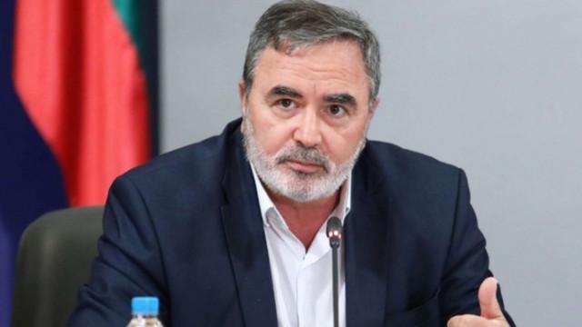 Кунчев: След седмица ще завалят случаите на COVID-19, предадени в училищата