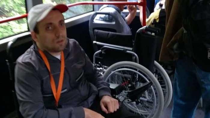 """Момче с увреждания се разграничи от """"Системата ни убива"""""""
