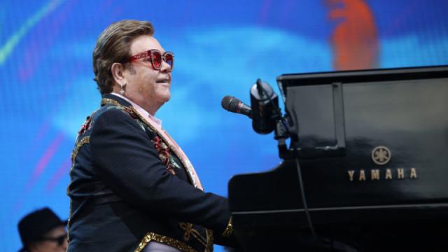 Елтън Джон и новата колекция Elton: Jewel Box с редки и непубликувани песни