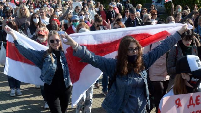 Над 60 души са арестувани на женско шествие в Минск