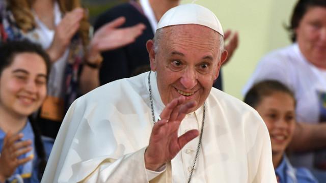 Папа Франциск: Ваксината трябва да е достъпна за всички
