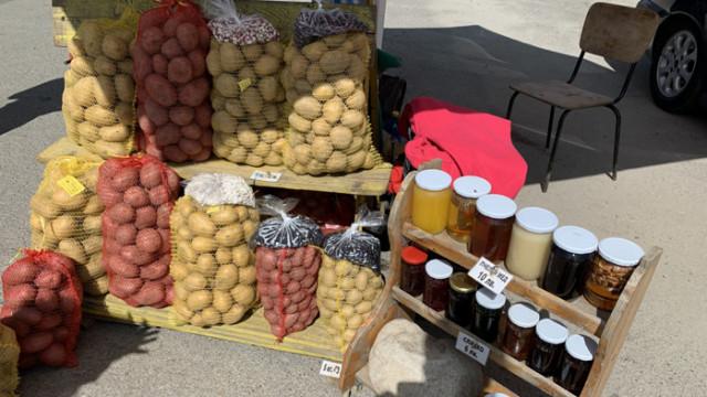 Картофите в Самоков се предлагат директно на сергията от полето