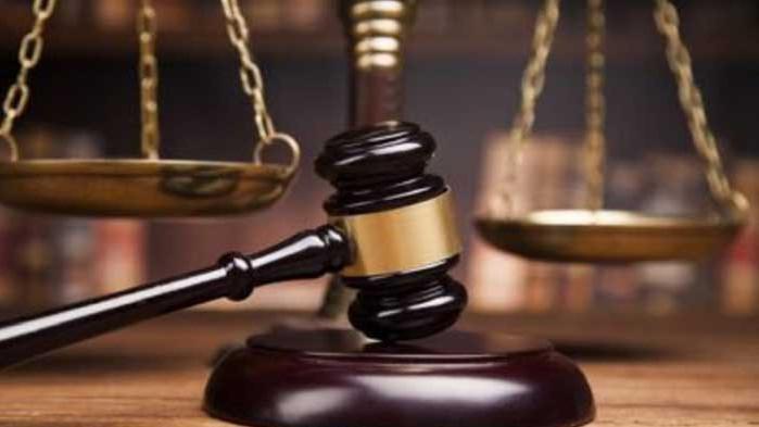 Обвиняем за подкуп и притежание на наркотици остава в ареста