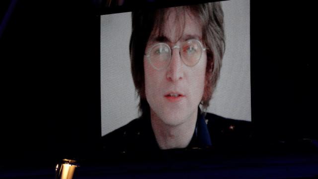 Убиецът на Джон Ленън се извини, 40 години след убийството