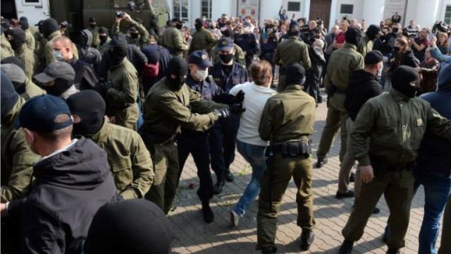 Защо силоваците в Беларус са толкова брутални?