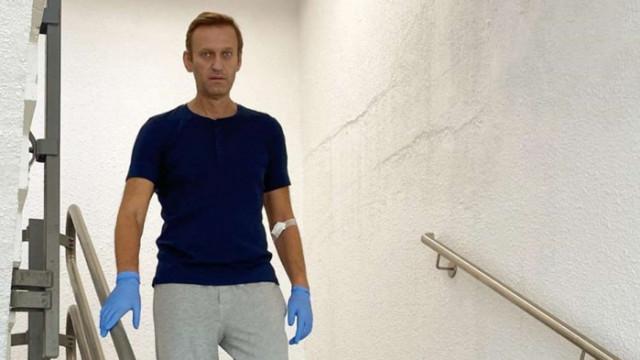 Навални е изписан от болницата