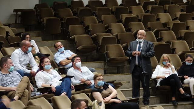 """Д-р Янко Станев: Да се вдигне капиталовия дял на общинското дружество """"Ученическо и столово хранене"""""""