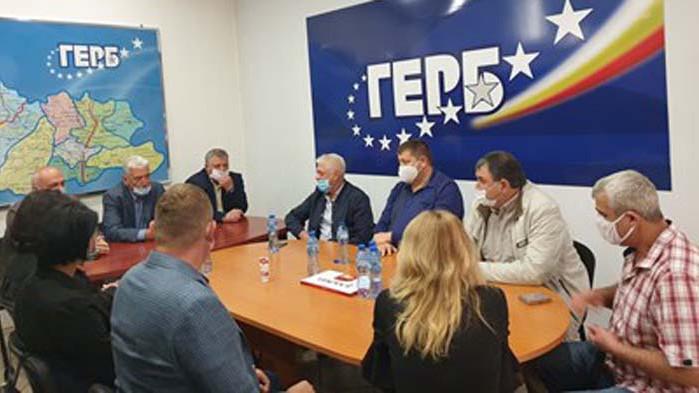 ГЕРБ е най-голямата партия - води със 17 000 членове БСП