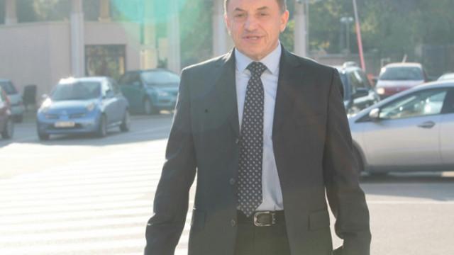 """Алексей Петров и служители на """"Лев Инс"""" обградиха Цветанов по време на учредяването на партията му"""