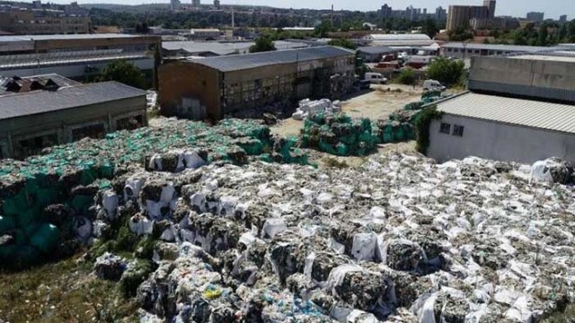 """По делото """"Бобокови"""": Намериха 7 756 тона опасни отпадъци (ВИДЕО)"""