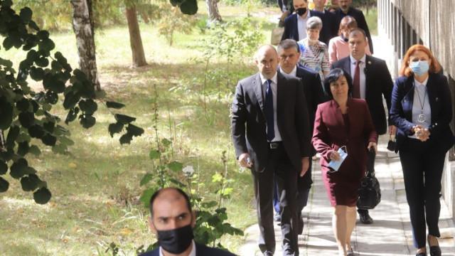Радев искал единна БСП, за да не залинее демокрацията