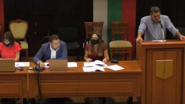 """Връх на некомпетентността: """"Възраждане"""" искат Варна да кандидатства по програма за селските райони"""