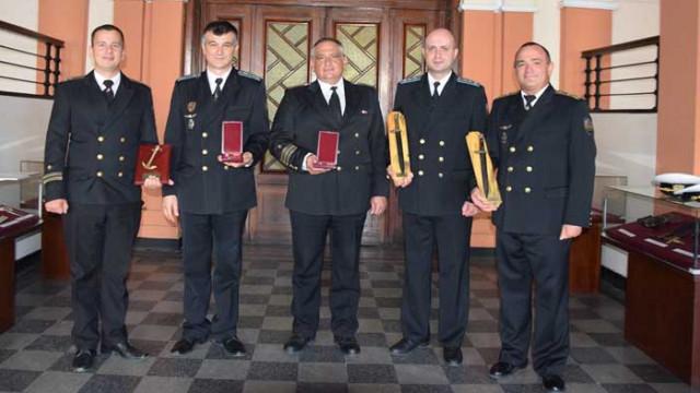 Наградиха военнослужещи във Варна