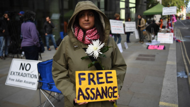 САЩ пращат Асандж в много строго охраняван затвор
