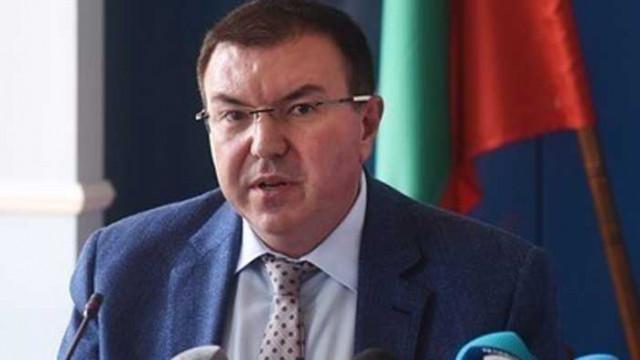 Заповедите на министър Ангелов за удължаване на извънредната обстановка