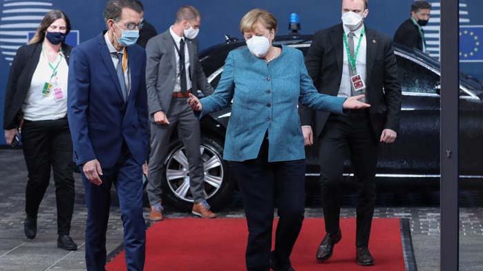 Меркел настоява за констурктивен диалог с Турция, Макрон за Европа като геостратегическа сила