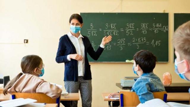 Търсят учители за варненска област