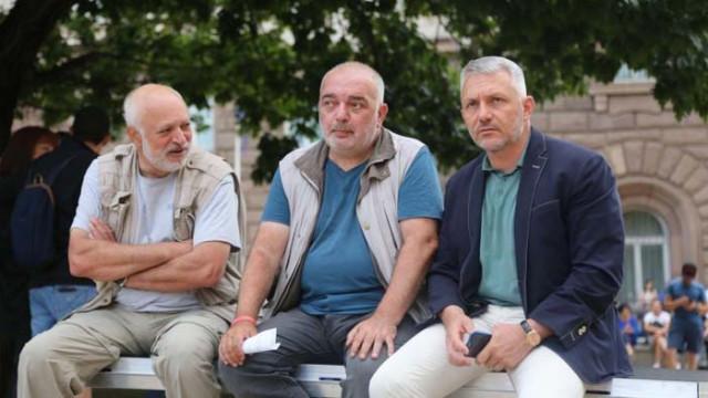 """След Великото народно въстание-4, оставка може да подаде само """"Отровното трио"""""""