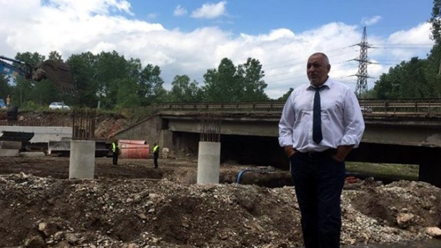 Борисов инспектира строителството на Южната дъга Околовръстното в София
