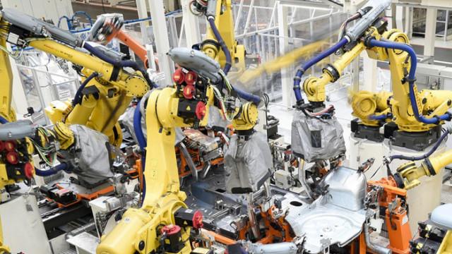 Трудовите злополуки в складовете на Amazon се покачват след въвеждането на роботи
